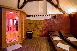 Relaxációs szoba, exkluzív minőségű infraszaunával