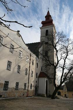 A sümegi túrák egyik helyszíne - A Ferencesek nagyon kedvelt temploma, híres Mária napi búcsújáró hely, csodatevő Szűz Mária miatt